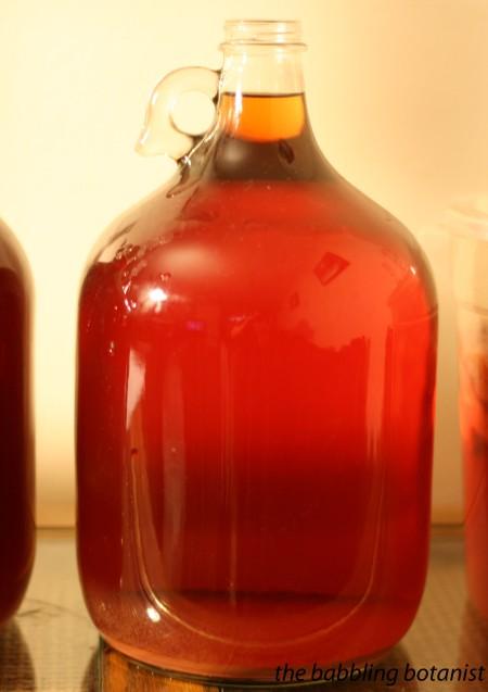 Как приготовить домашнее малиновое вино